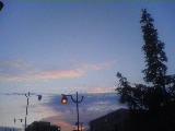 080916_1738~夕焼け雲と街灯.jpg